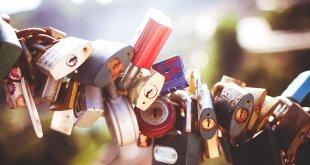 Yêu thương làm nên tất cả -  yêu thương - lock 310x165