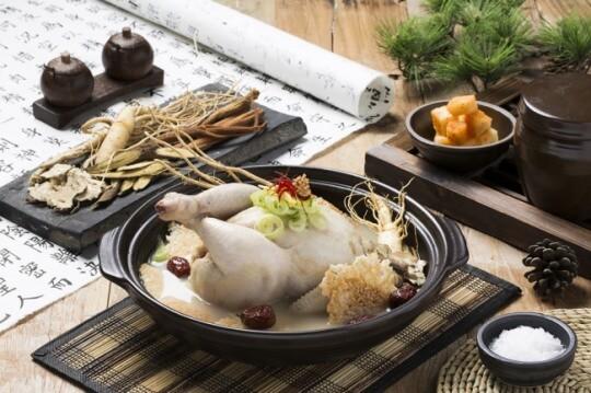 Cháo gà hầm sâm: món bảo bối của người Hàn Quốc nấu ra sao ? -  cháo gà hầm sâm - 20170410000650 0 20170410140603428